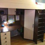 Мебель для детской стол