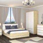 Спальня светлые обои