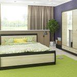 Спальня - зеленый ковер