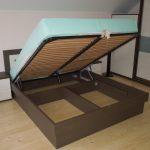 Кровати под заказ в Луганске коричневая