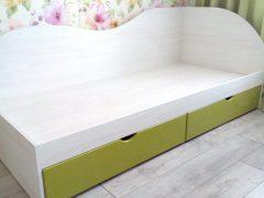Угловая кровать зеленая Луганск